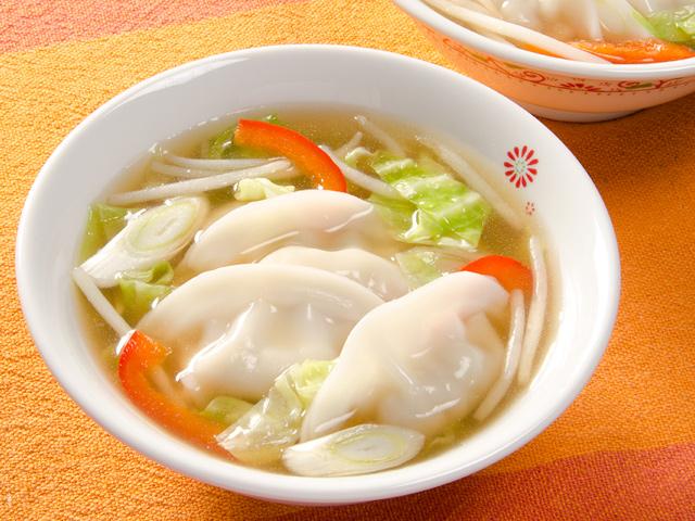 炒め野菜どっさりスープ餃子