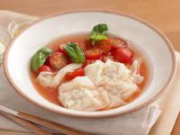 肉ワンタンの冷製トマトスープ