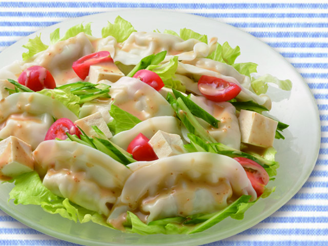ひんやり水餃子と生野菜のサラダ