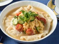 夏野菜と卵のスープ餃子