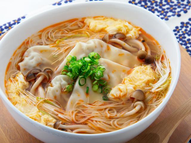 糖質0g麺入り 酸辣ワンタン麺風