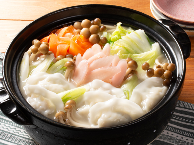 鶏の旨塩スープ餃子と新生姜のぽかぽか鍋