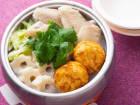藤原奈津子さんの鶏肉と三つ葉の塩鍋