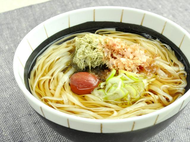 糖質0g麺のとろろ昆布と梅干し温麺 【糖質:12.2g】