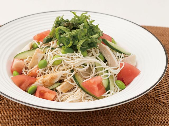 ごまつゆで食べるとうふそうめん風のバンバンジー風サラダ麺